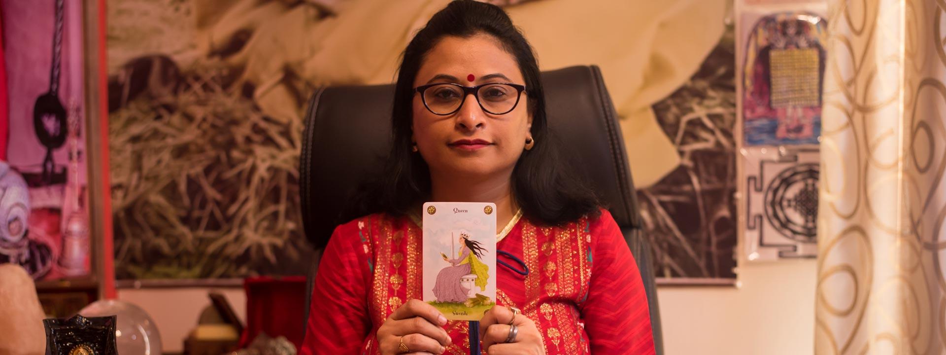 Tarot card reader in Noida Uttar Pradesh India